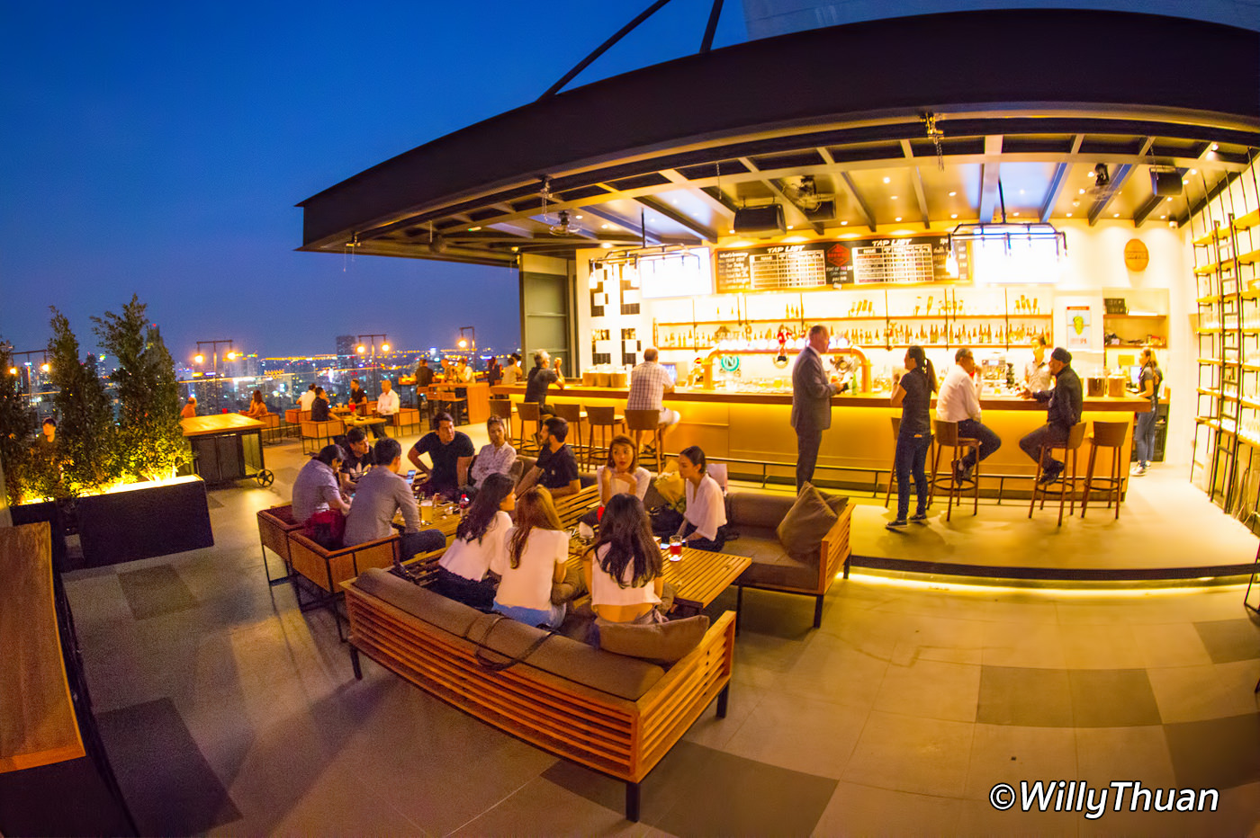 Brewski Rooftop Bar at Radisson Blu Bangkok