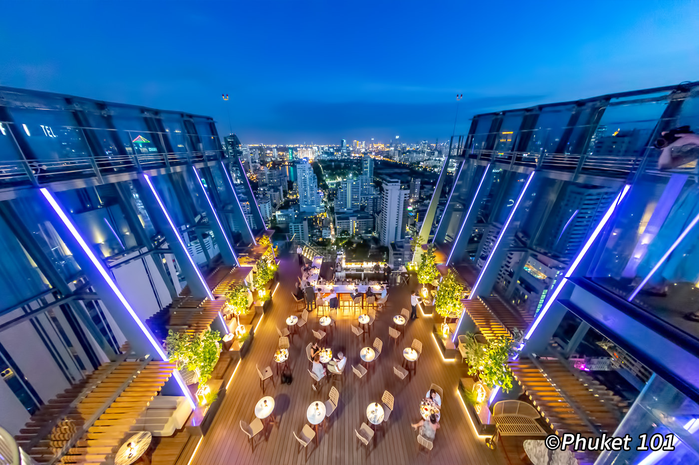 Spectrum Rooftop Bar at Hyatt Regency Bangkok