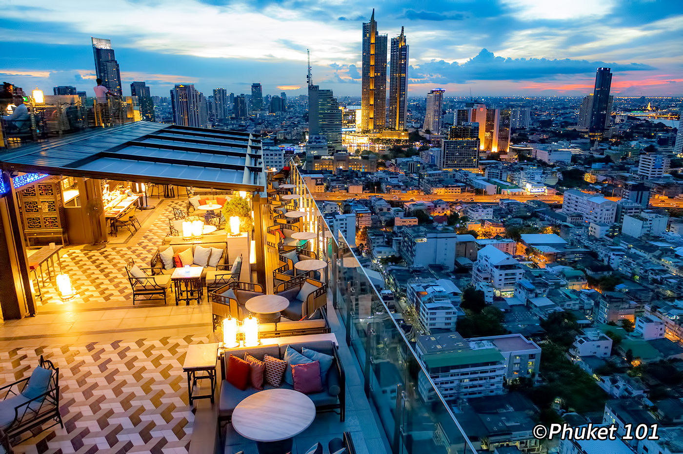 Yao Rooftop Bar at Marriott Bangkok Surawongsee